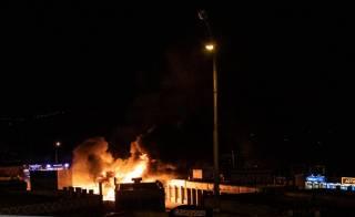 На одном из столичных рынков полыхал пожар