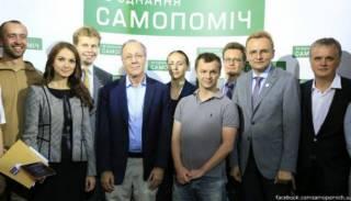 «Невинная» Самопомощь, с ее актикоррупционерами Садовым, Соболевым и другими, оказалась замарана в скандале с обворовыванием армии