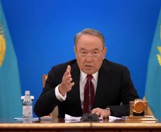 Спустя 29 лет единоличного правления президент Казахстана Назарбаев добровольно подал в отставку