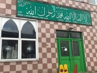 В Англии радикалы напали сразу на пять мечетей