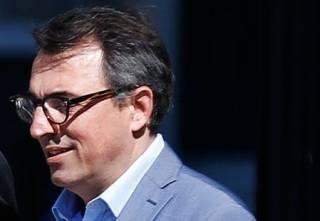 Мэр одного из французских городов подал в отставку после пикантного скандала
