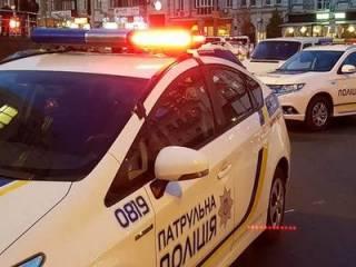 В Киеве водитель роскошного автомобиля устроил стрельбу посреди дороги