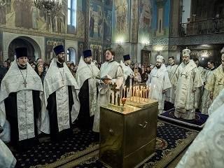 Православные помолились о погибших при пожаре в ТЦ «Зимняя вишня» в первую годовщину трагедии