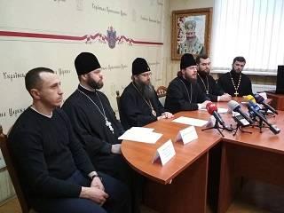 В новую Церковь перешли 43, а не 499 общины УПЦ