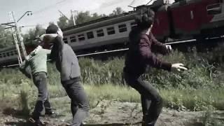 В Запорожье задержали подростков, которые забрасывали камнями проезжавшие мимо поезда