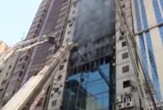 В столице Бангладеш горело офисное здание – погибли десятки людей