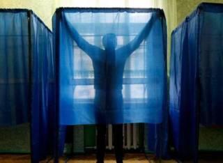 На одном из участков Черниговщины сделали «прозрачные» кабинки для голосования