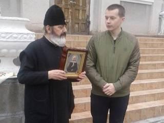 В Хмельницкой области полиция вернула похищенные из храмов УПЦ иконы