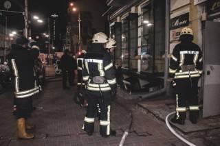 Ночью в центре Киева горел магазин