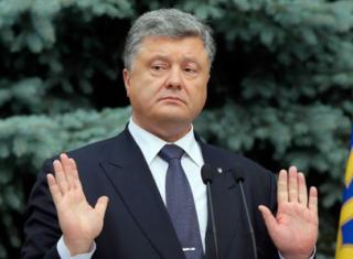У Порошенко ответили Зеленскому на предложение провести дебаты на «Олимпийском»