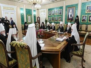 Священный Синод РПЦ выразил поддержку УПЦ