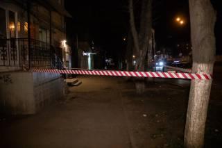 На киевской окраине подстрелили двух молодых парней