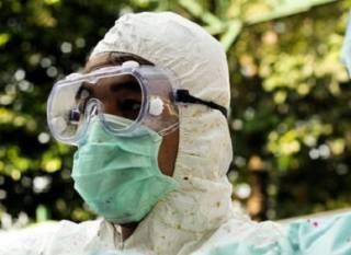 Эпидемия Эболы в одной из африканских стран достигла катастрофических масштабов