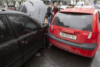 Страшное ДТП в Киеве – пострадали три человека