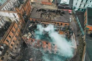 В центре Днепра горело здание, заброшенное уже более тридцати лет