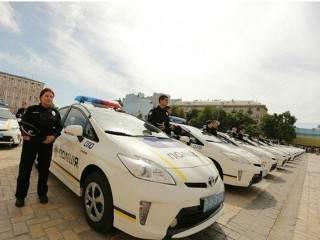 В Киеве сотрудники охранной фирмы пытались проскочить по встречке и нарвались на полицейских