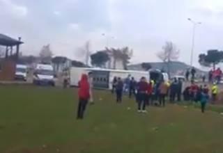 В Турции разбился автобус с десятками школьников