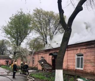 Какой-то псих поджег здание психлечебницы в Одессе