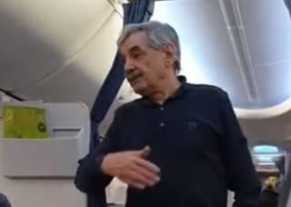 «Мальчик, 100 грамм водки!»: известного актера сняли с самолета после дебоша