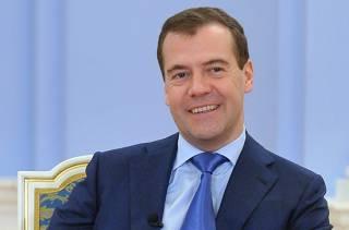 Медведев пофилософствовал о 19 миллионах «бедных россиян»