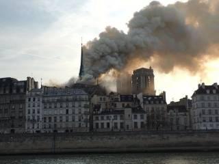 Стала известна возможная причина пожара в соборе Парижской Богоматери