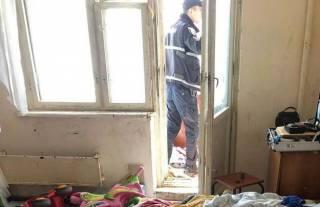 В Киеве крошечная девочка выпала с шестого этажа и чудом выжила