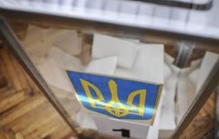 Стало известно, сколько бюллетеней испортили украинцы в первом туре президентских выборов
