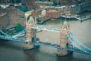 Стоит ли самостоятельно получать визу в Великобританию?