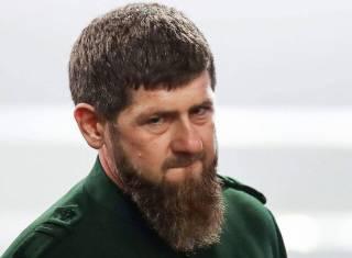 Кадыров в жесткой форме обратился к «коленопреклонному» Порошенко
