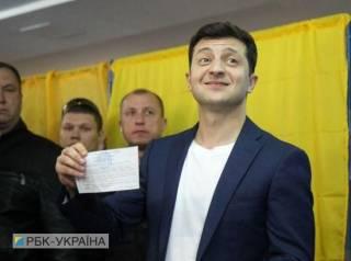 Зеленский проголосовал на выборах президента. Не обошлось без скандала