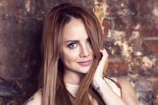 Известная российская певица попала в страшное ДТП по дороге в аэропорт