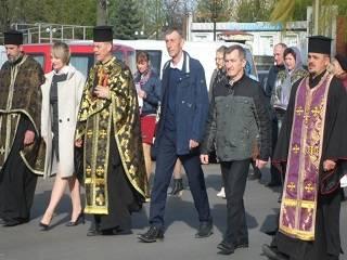 На Волыни сторонники ПЦУ выломали двери храма УПЦ и захватили его