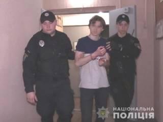 В Киеве «молодой негодяй» пытался убить собственную мать и бабушку