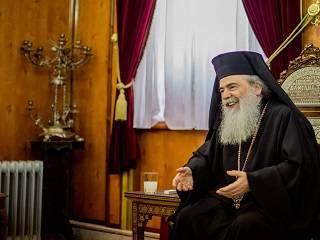 Патриарх Феофил накануне Пасхи поддержал верующих УПЦ и Митрополита Онуфрия