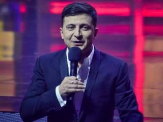 Зеленский поздравил украинцев с Пасхой сразу на двух языках