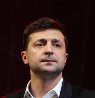 Кто подставляет Владимира Зеленского? Новое видео на канале «Фразы»