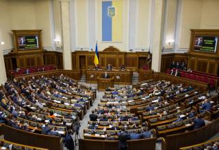 Запахло деньгами: как партии планируют идти на выборы в Раду