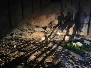 В Мариуполе под завалом песка погибли малыши