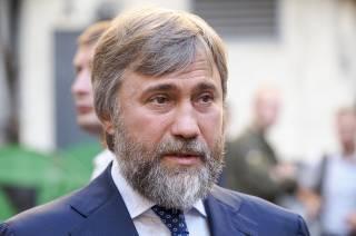 Глава фракции «Оппозиционного блока» Вадим Новинский почтил память жертв авиакатастрофы в Шереметьево
