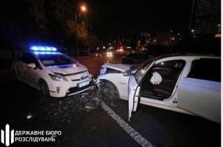Патрульные полицейские устроили лобовое столкновение в Киеве