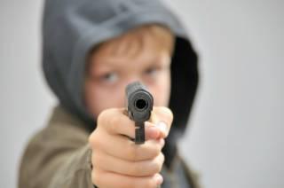 В России школьник с пистолетом и ножом взял в заложники гимназистов