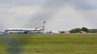 В аэропорту Праги столкнулись два самолета с пассажирами