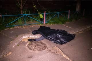 Выбросившись с девятого этажа, в Киеве погиб мужчина (18+)