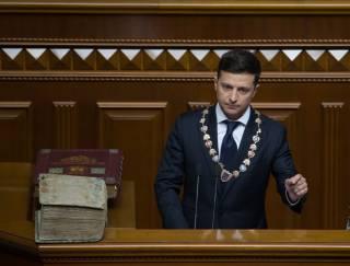 Зеленский «запретил» чиновникам вешать в кабинетах его портреты