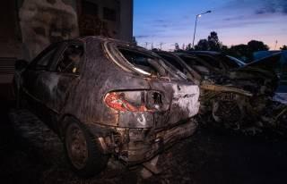Ночью в Киеве массово горели автомобили