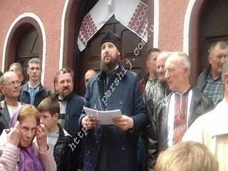 СМИ: На Закарпатье активисты ПЦУ ищут способ юридически ликвидировать религиозную общину УПЦ