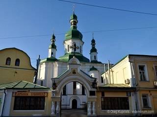 Киевляне жалуются, что не могут спать из-за гимна Украины, который вызванивают на колокольне монастыря ПЦУ
