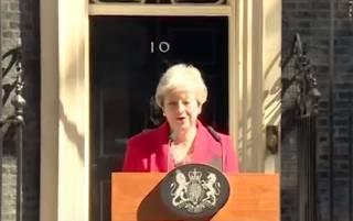 Британский премьер подала в отставку. Появилась прощальная речь Терезы Мэй
