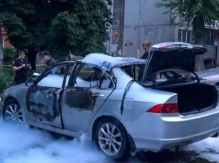 На Днепропетровщине взорвали машину чемпиона мира