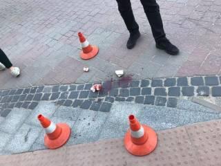 В центре Львова кусок здания упал на проходившую мимо женщину